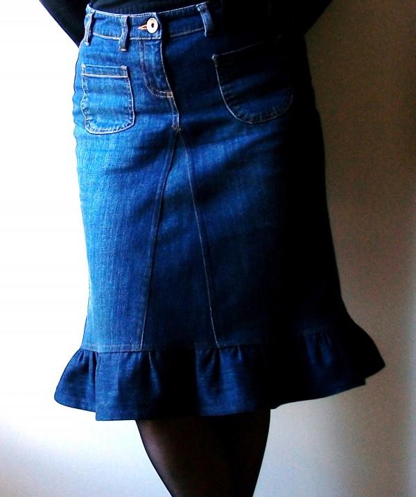 Jeans transformés en jupe à volant
