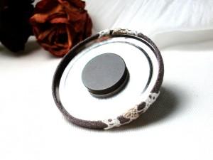 Magnet en lin taupe et dentelle beige