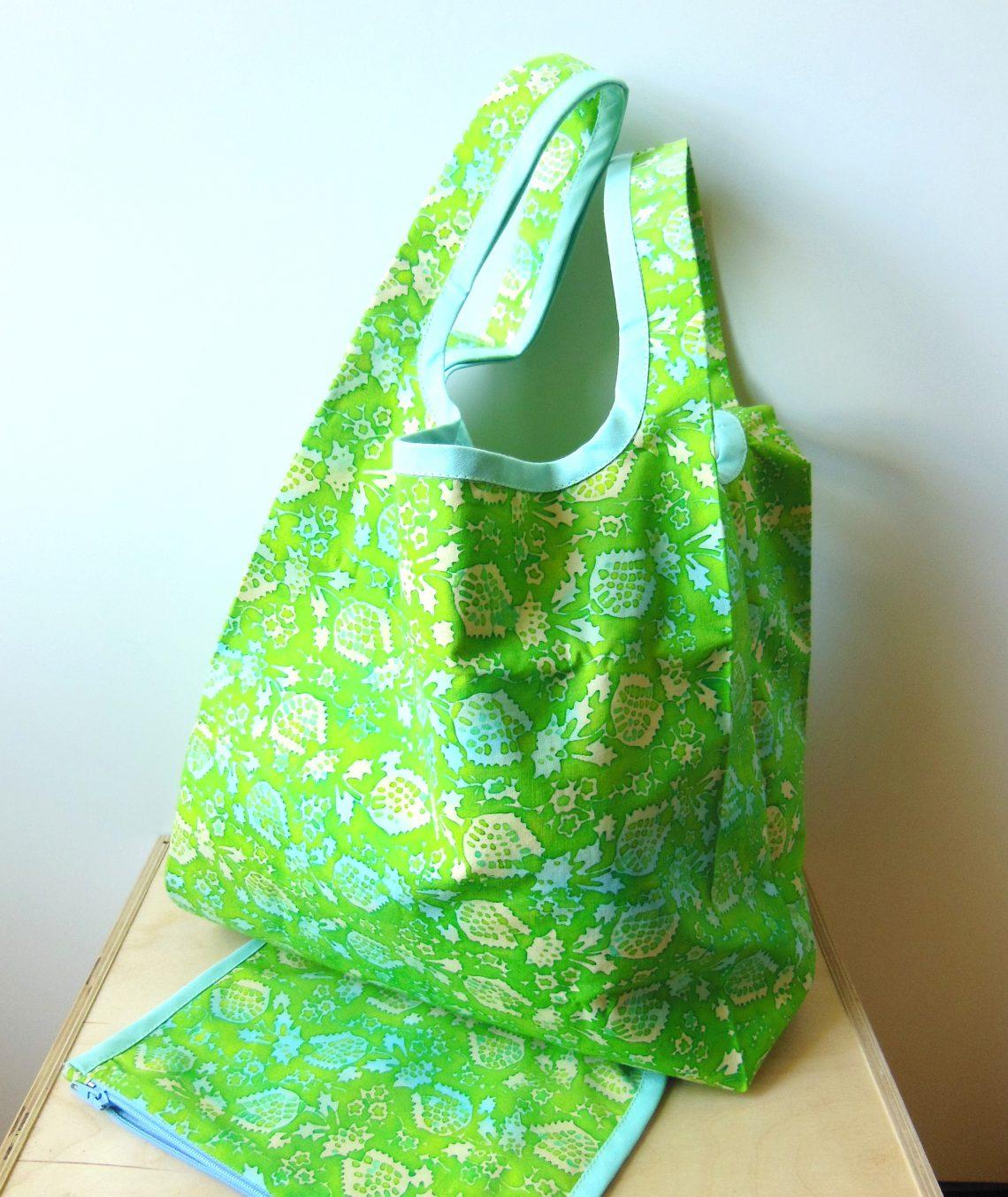 sac de courses en tissu pour remplacer les sacs plastique l 39 atelier dans l 39 arbre blog de couture. Black Bedroom Furniture Sets. Home Design Ideas