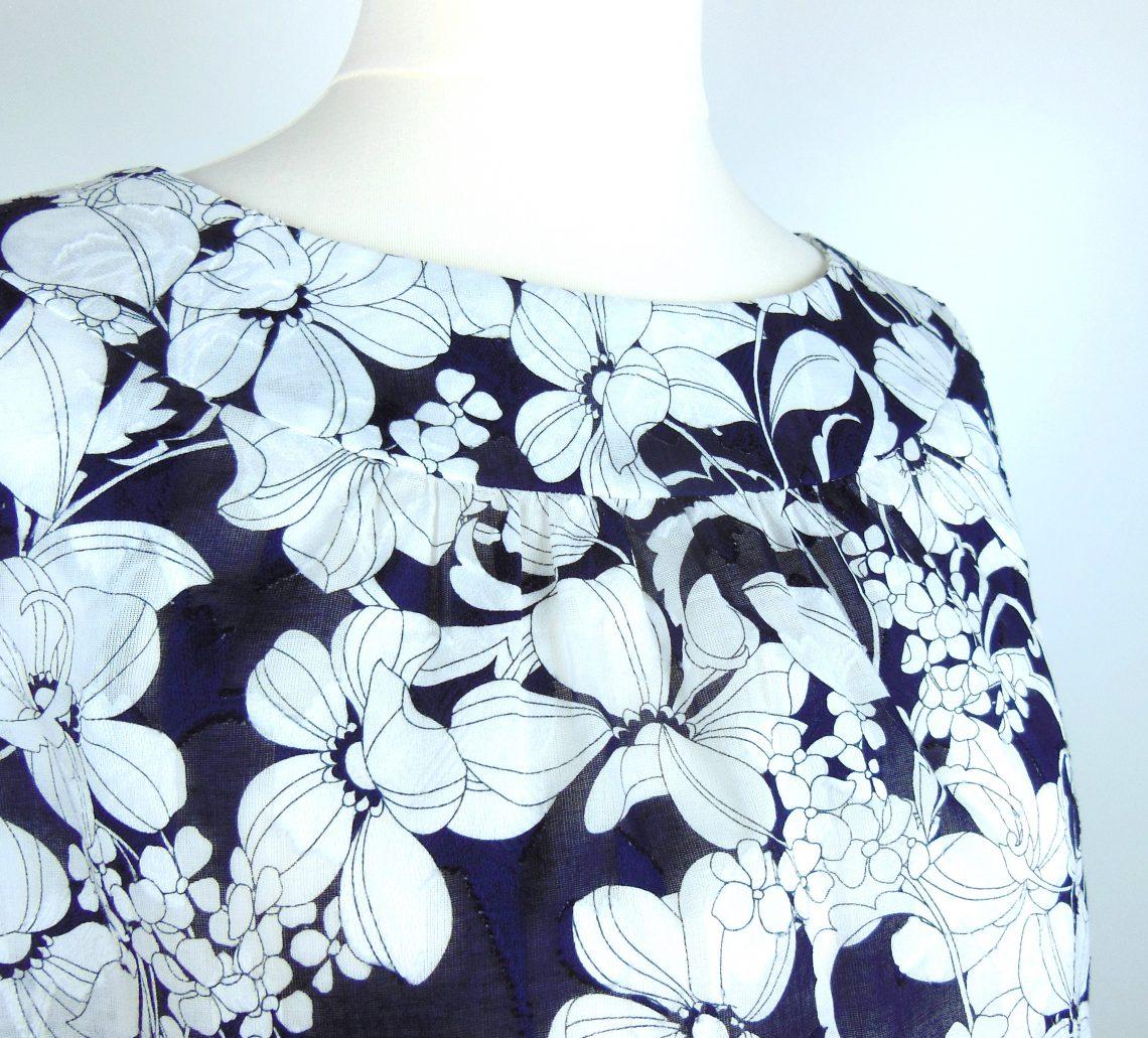 fleurs japonaises noir et blanc